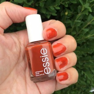 Fall 2016 Essie Playing Koi Review