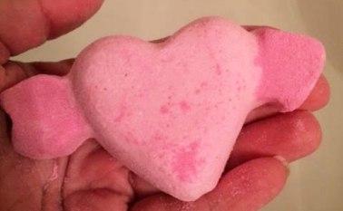Lush Valentine's Day Cupid Bath Bomb Review