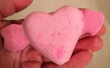 Lush Valentine's Day Cupid Bath Bomb Review