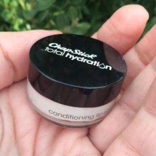 Chapstick Total Hydration Lip Scrub Review