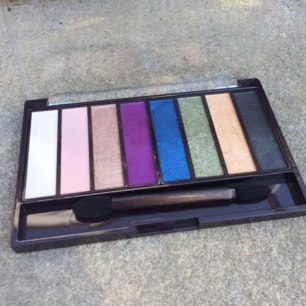 Covergirl TruNaked Jewels Eyeshadow Palette Review