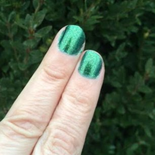 SinfulColors Luck Of The Stylish Queen Of Green Review