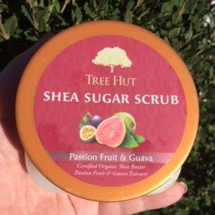 Tree Hut Passion Fruit & Guava Shea Sugar Scrub Review