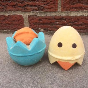 Lush Easter Chick 'N' Mix Bath Bomb Review