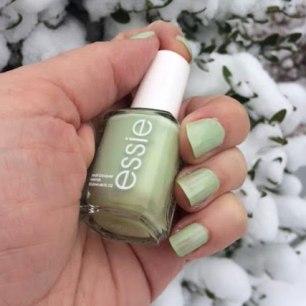 Essie Going Guru Nail Polish Review