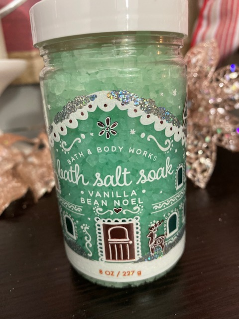Bath & Body Works Vanilla Bean Noel Bath Salt Soak